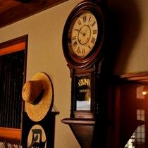 ロビーの時計