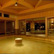 広々とした大浴場で落ち着いた空間で寛げる『大浴場 水心鏡』