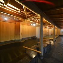 他のお風呂とは少し雰囲気の異なる【月宮殿・八角風呂】