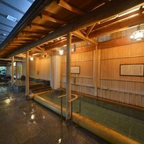 特徴的なお風呂が揃う大浴場月宮殿【檜丸太風呂】