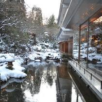 四季折々の表情を愉しめる日本庭園