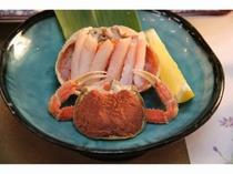 北陸冬の味覚の女王、海の宝石箱とも呼ばれる香箱蟹。ズワイの雌。