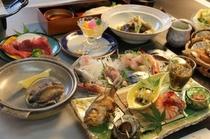 夏の創作懐石プランお料理一例。能登の新鮮なお刺身盛合せやアワビ、和牛、蒸物、椀物など。