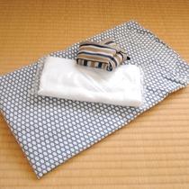 *【アメニティ一例】浴衣とタオル(バスタオルは各自ご持参いただくかレンタルとなります)