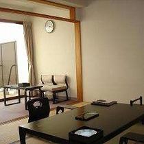 【岬咲館☆和室】海の見えるテラスにひのき風呂とデッキチェアーがある新館の和室 畳でのんびり~♪