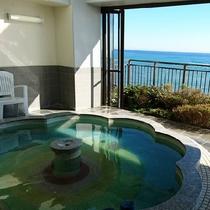 最上階にある露天風の展望風呂【華幻kagen】海を一望する開放的なお風呂で日の出のシーンは感動的~♪