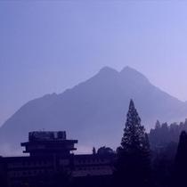 朝霧と山光園