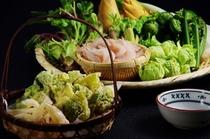 山菜と白えびの天ぷら