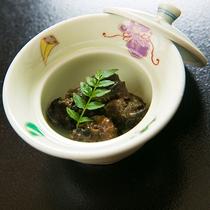 """【料理一例】元湯旅館名物の""""田にしの味噌煮""""を、この機会にぜひご賞味ください"""