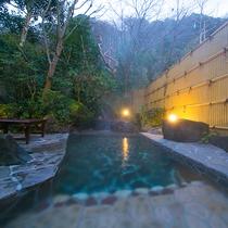 【露天風呂】厚木の新鮮な空気を浴びながら、美肌の湯でゆったり。心身ともに癒されます