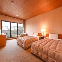 *【洋室】日本庭園「松濤園」側のツインルーム