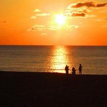 夕日ヶ浦海岸の夕日
