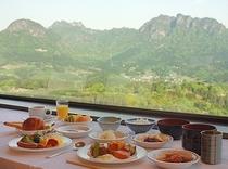 朝食-妙義山