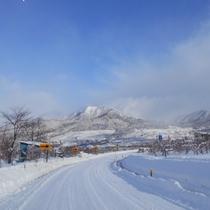 冬の高社山とよませ温泉スキー場