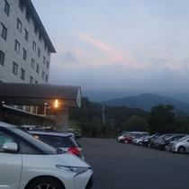 当館の広々駐車場