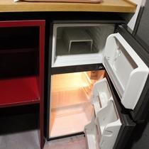 全室にからの冷蔵庫(冷凍庫付)がございます。お土産品やお飲み物等ご自由にどうぞ