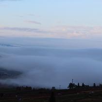 雲海 よませ温泉眼下一面に広がる早朝の雲海