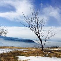 雲海 よませ温泉 信州サンセットポイント 一面にうっすらと広がる幻想的な雲海