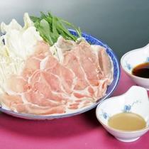 *みゆき豚のしゃぶしゃぶ/飯山産ブランド豚肉みゆきポークを使用。シンプルにポン酢で。