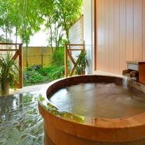 樹齢1200年 総檜露天風呂