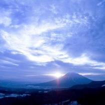 【〜 羊岳百景 〜 幻想的な雄姿】
