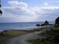 鉄浜海岸シンボル岩