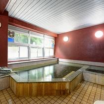*温泉 下部温泉はスポーツ選手の利用も多く、疲労回復や療養に最適です。