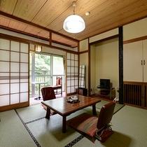 *【川側和室6畳】2名定員のお部屋となります。ごゆっくりお過ごしくださいませ。