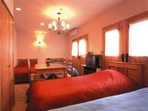 木のぬくもりの4ベッドの洋室(room3-2013)
