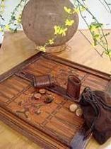 館内ゲーム(革手作りバックギャモン)