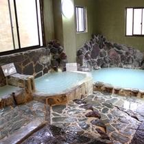 那須湯本温泉「鹿の湯源泉」のお風呂をご堪能下さい