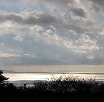 207号室、205号室から見える冬の伊豆七島の浮かぶ相模湾