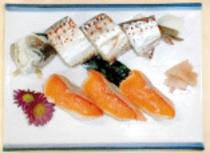 アメゴの姿寿司とマスの握り寿司。