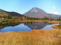秋の羅臼湖