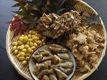 秋の食材例(舞茸・ぶなはりたけ・あけび・ぎんなん)
