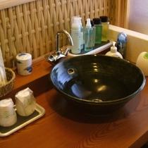 ■露天風呂付客室/パウダールーム