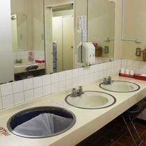 カプセル洗面所
