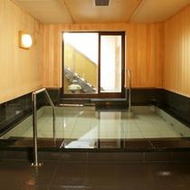*【大浴場(女湯)】とろみのあるお湯でお肌つるつる!嵐山温泉は美肌の湯として有名なんですよ。