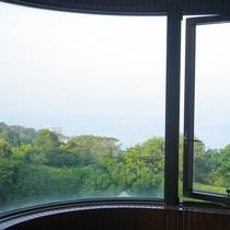*【本館客室】眺望抜群!お風呂からの景色