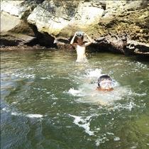*【無人島海水浴】小さな湾になてるのでまるでプールのような海