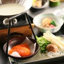 「華hanaのお料理」 信州サーモンの豆乳鍋