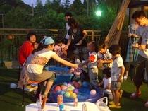 夏の夜には、ミニ縁日もやってるよ!