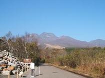 妙高山の春