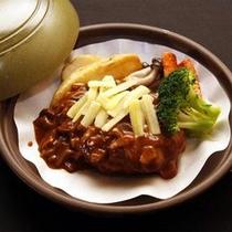 ご夕食一例(ハンバーグ)