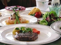 短角牛ステーキのディナー一例