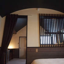 天井がアールの寝室(202)
