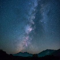 栂池からの白馬三山と星空