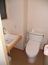 洗浄付トイレ1階和室8畳