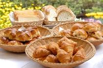 焼き立てパン(盛付の一例)