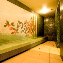 【女性限定の温泉ミストサウナ】温泉のお湯で汗腺を刺激、老廃物を排出するデトックス効果も期待できます。
